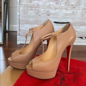 AUTHENTIC CHRISTIAN LOUBOUTIN nude peep toe heels